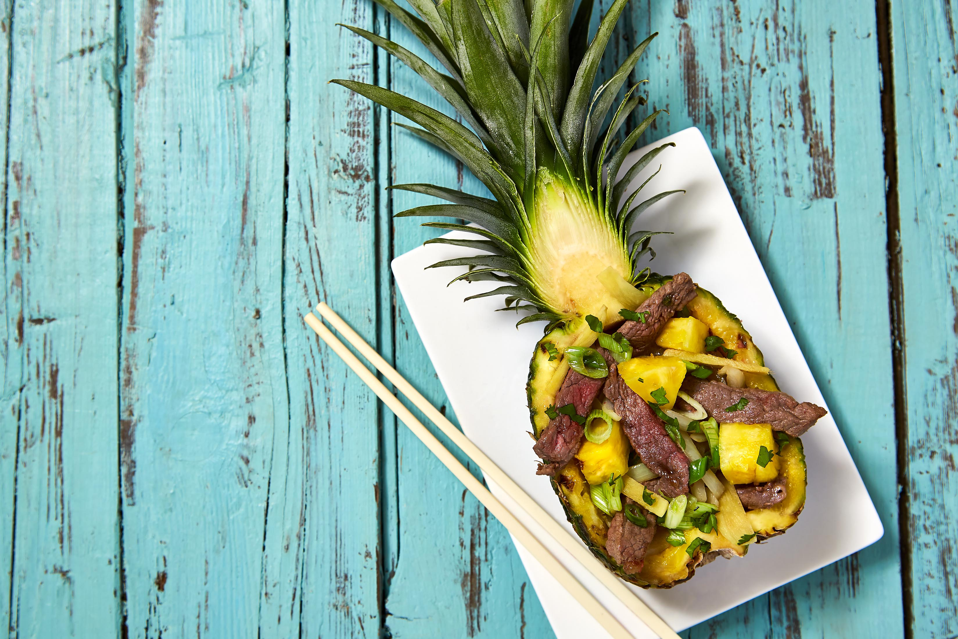 Cross-section of Pineapple with beef strips